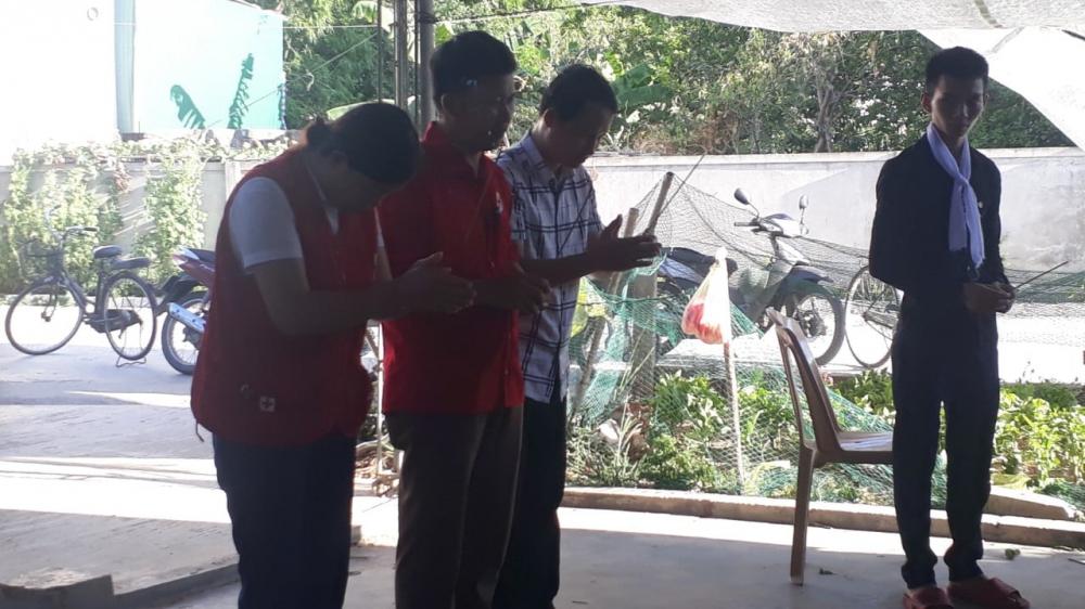 Hội Chữ thập đỏ thành phố phối hợp Tỉnh Hội thăm hỏi, động viên các gia đình có các cháu nhỏ bị tử vong do đuối nước