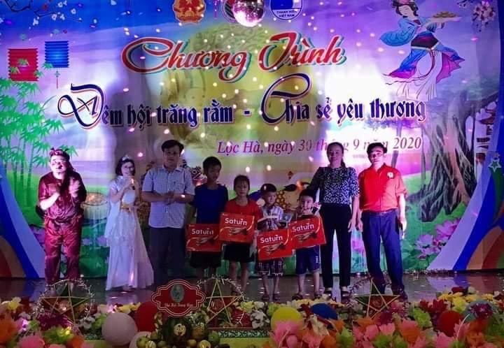 Huyện Lộc Hà vui hội trung thu cho các cháu tại xã Mai Phụ