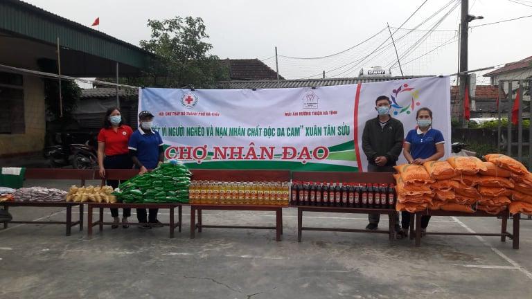 Thành Hội tổ chức Hội Chợ Nhân đạo nhân dịp Tết Nguyên đán năm 2021 tại Nhà Văn hóa thôn Trung Tiến, xã Đồng Môn, thành phố Hà Tĩnh
