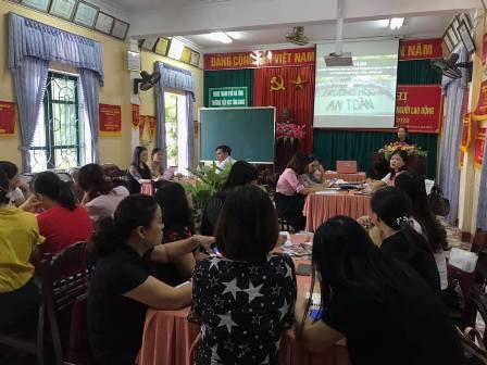Tập huấn chương trình trường học an toàn, phòng chống thiên tai cho 20 giáo viên trường Tiểu học Tân Giang