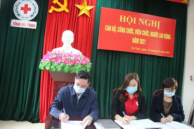 Hội Chữ thập đỏ tỉnh tổ chức Hội nghị cán bộ, công chức, viên chức và người lao động năm 2021
