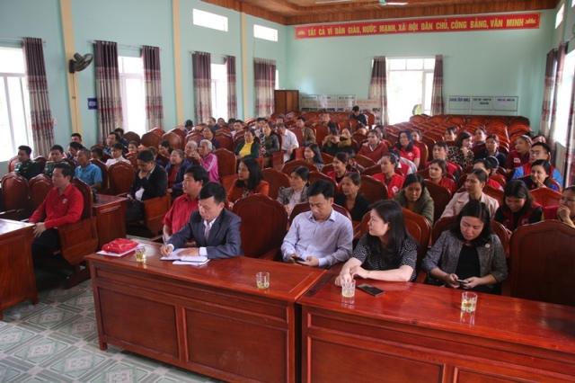 Trao 100 triệu đồng hỗ trợ phụ nữ biên cương xã Sơn Hồng, huyện Hương Sơn, tỉnh Hà Tĩnh phát triển sinh kế