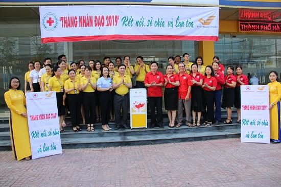 Hội Chữ thập đỏ tỉnh triển khai Chương trình ký kết thỏa thuận hợp tác, đặt thùng quỹ tại Trung tâm Thương mại Vincom Plaza và Bưu điện tỉnh