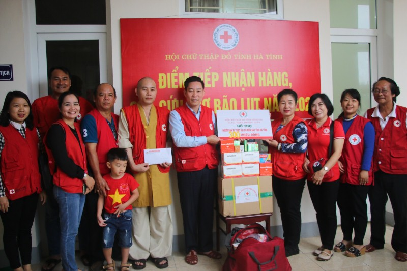 Hội Chữ thập đỏ tỉnh Đồng Nai hỗ bà con Hà Tĩnh bị thiệt hại bởi mưa lụt hơn 300 triệu đồng
