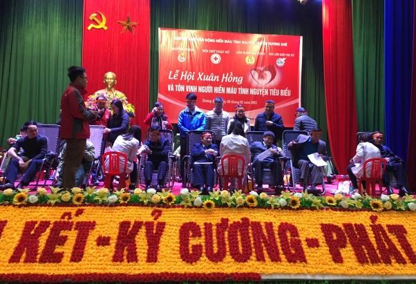 294 đơn vị máu được hiến tại Lễ hội Xuân hồng năm 2021 huyện Hương Khê